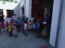 Kindergarten zu besuch bei der Feuerwehr 2015_4